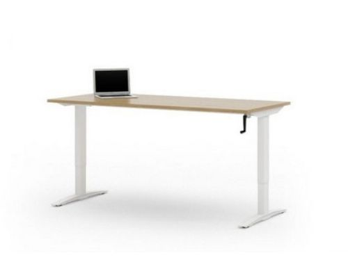 Height adjustable desk with laptop
